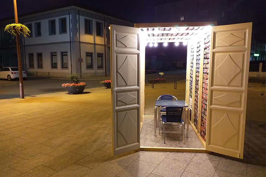 Instalación Eco-Foliede la artista Surya Namaskar para enBarcArte 2019
